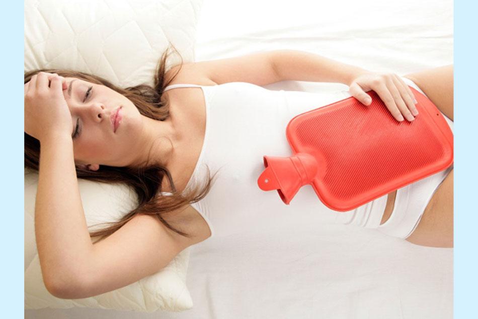 Chườm ấm giúp làm giảm cơn đau bụng kinh hiệu quả